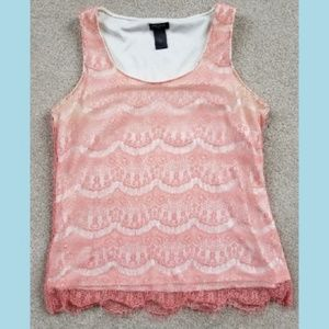 AnnTaylor peach colored lace top with white lining